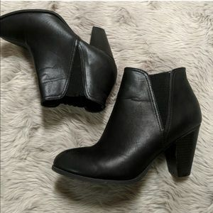 Bamboo black leather booties size 10